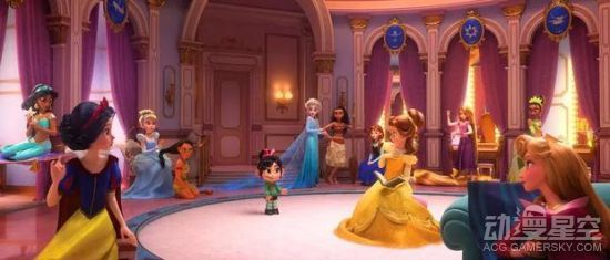 迪士尼新作《无敌破坏王2》在今天(6月5日)公开了正式预告的中文版,破坏王拉尔夫,带着小姑娘云妮洛普,进入到互联网光怪陆离的世界中。在这个互联网的世界里,各种知名网标纷纷出现,而且还有天猫和新浪等中国知名品牌乱入,也是让人不禁发笑。之后云妮洛普要求去到一个超嗨的地址,于是她被送到了迪士尼的世界中。 《无敌破坏王2》中文预告:   伴随着耳熟能详的Daft Punk乐队的Harder Better Faster Stronger,开启了新世界的大门,被云妮洛普形容为,这是我见过的最美丽的奇迹